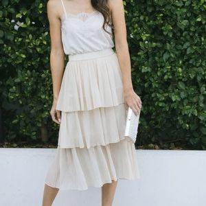 NWOT Tiered Midi Skirt